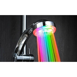 LED svietiaci sprcha
